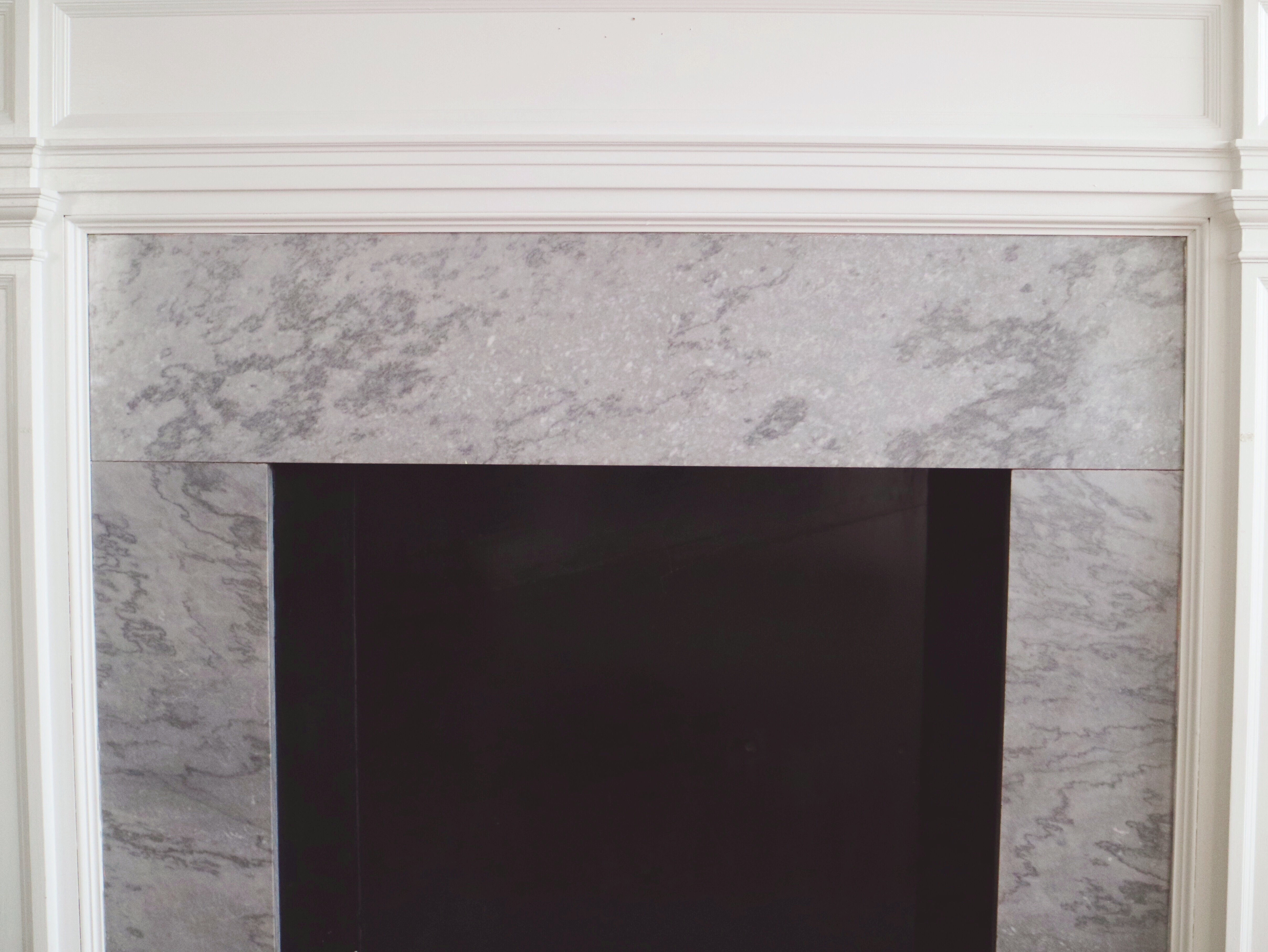 Diy chalkboard fireplace hallow the fireplace itself is boarded up with black painted wood even though i knew it was going to be a design challenge it was one of the reasons i fell in solutioingenieria Image collections